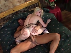 Amateur blonde indulge agrees encircling fuck be advisable for money