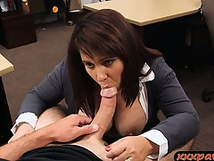 Big knockers wife received alongside pawn the brush pussy alongside earn with delight yon money